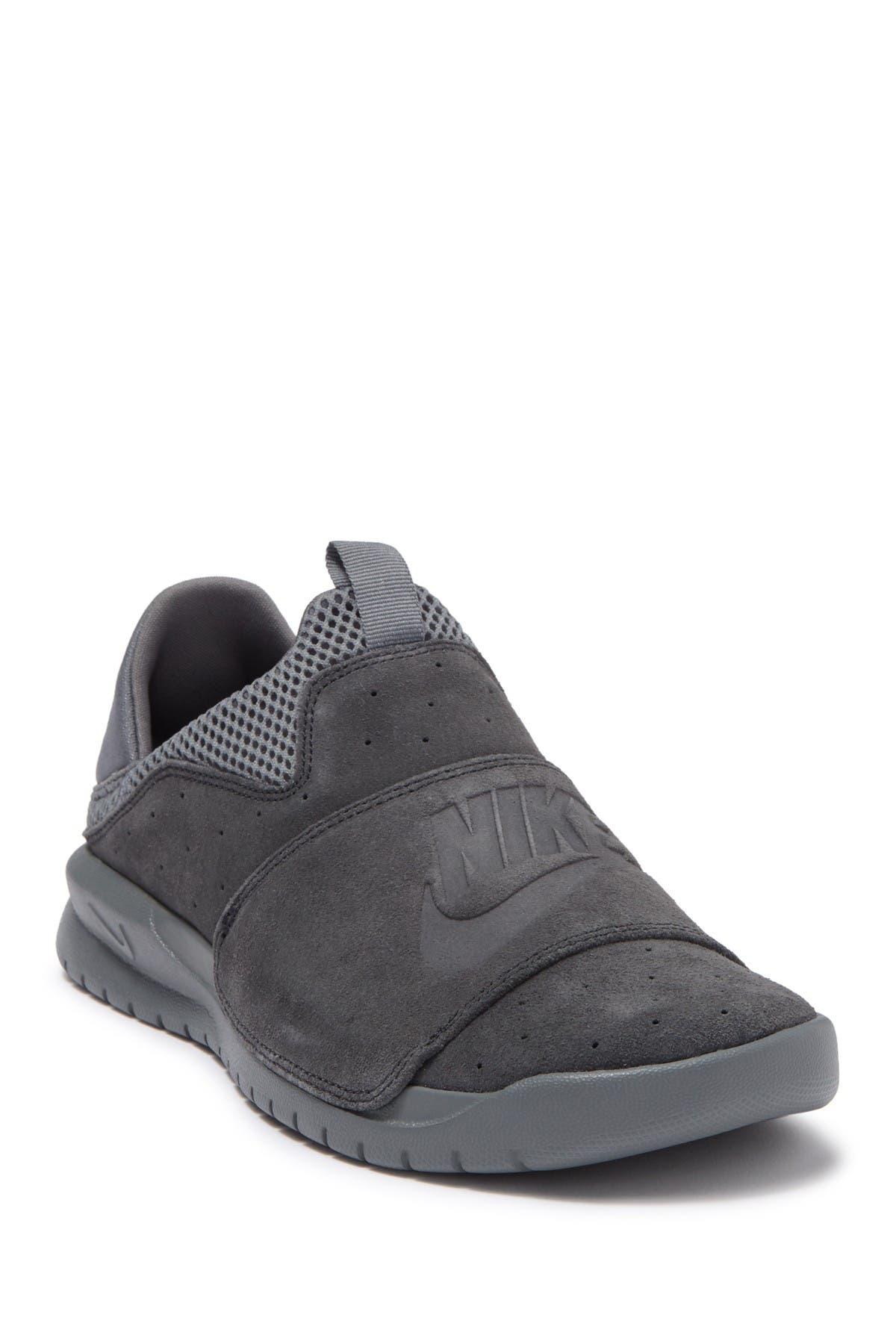 Nike | Benassi Slip-On Sneaker