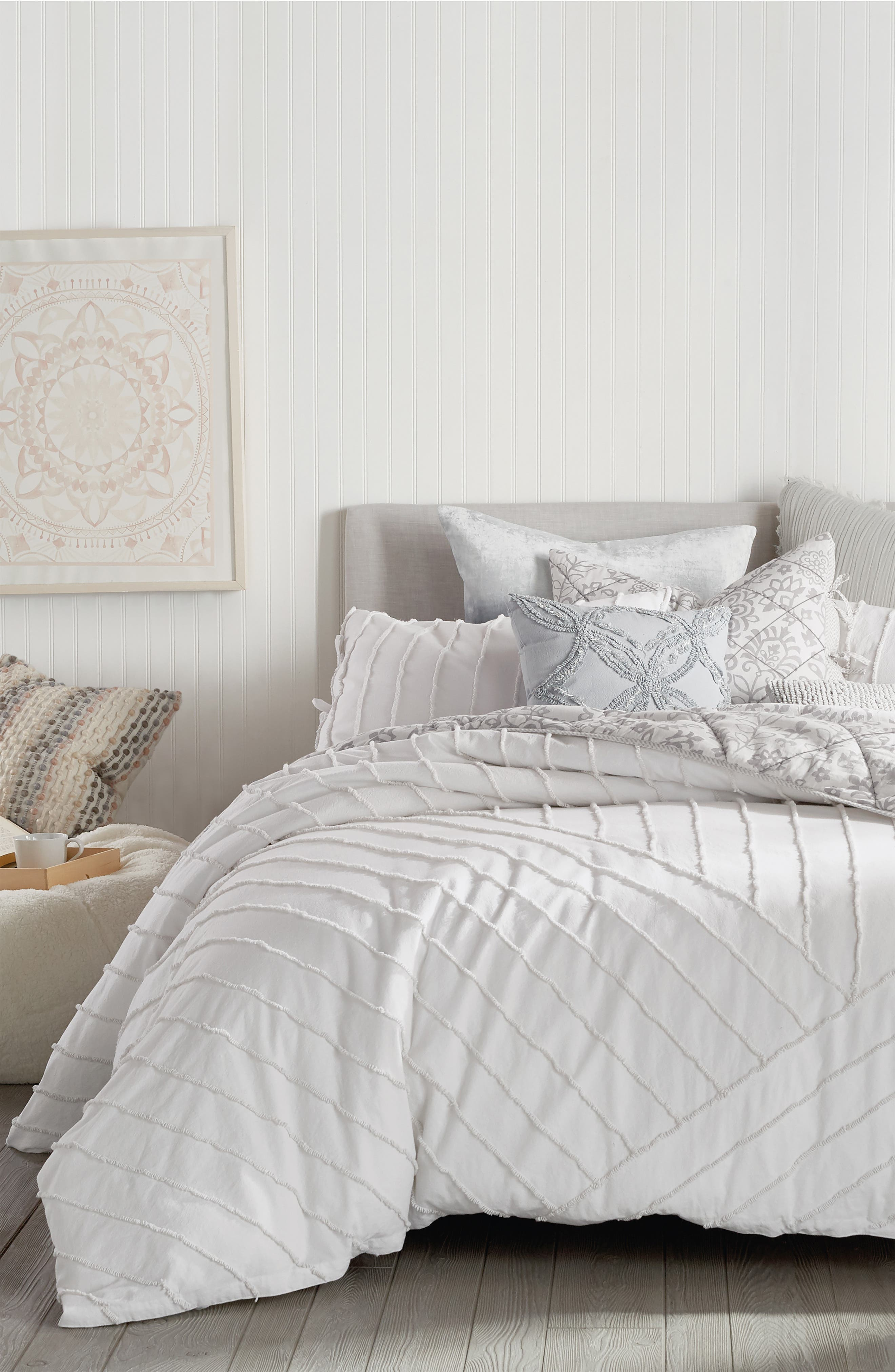 Peri Home Linear Loop Comforter  Sham Set Size King  White