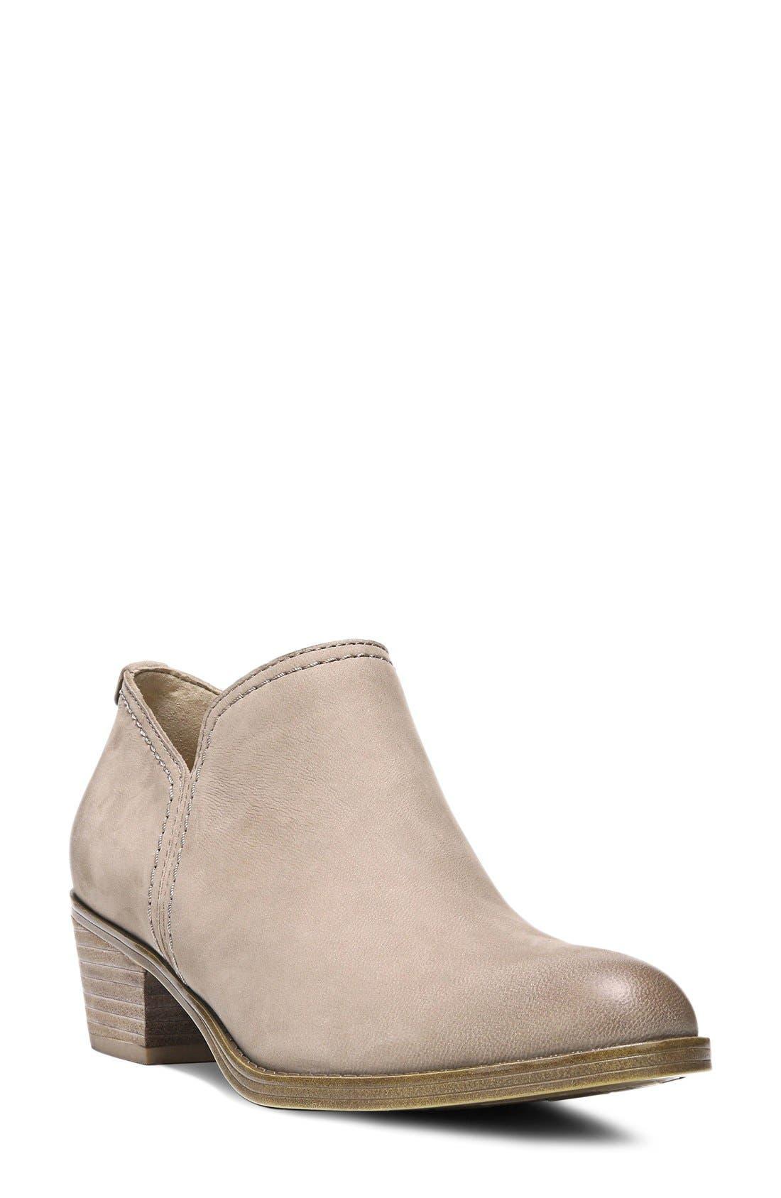 74f5bb28b7c Naturalizer Women's Boots