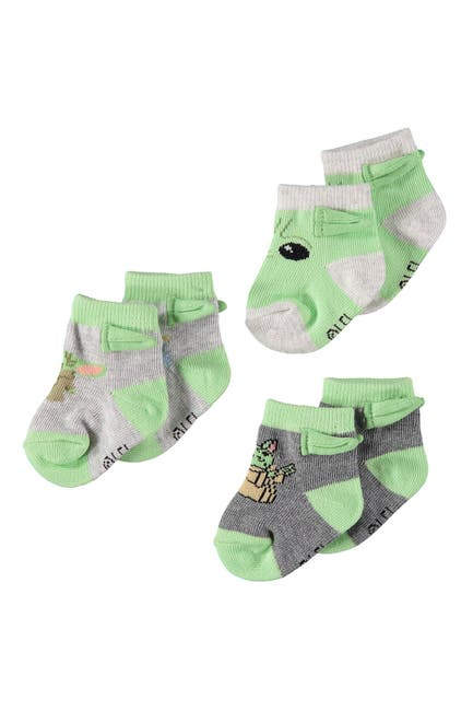 Image of HAPPY THREADS Baby Yoda Booties - Pack of 3
