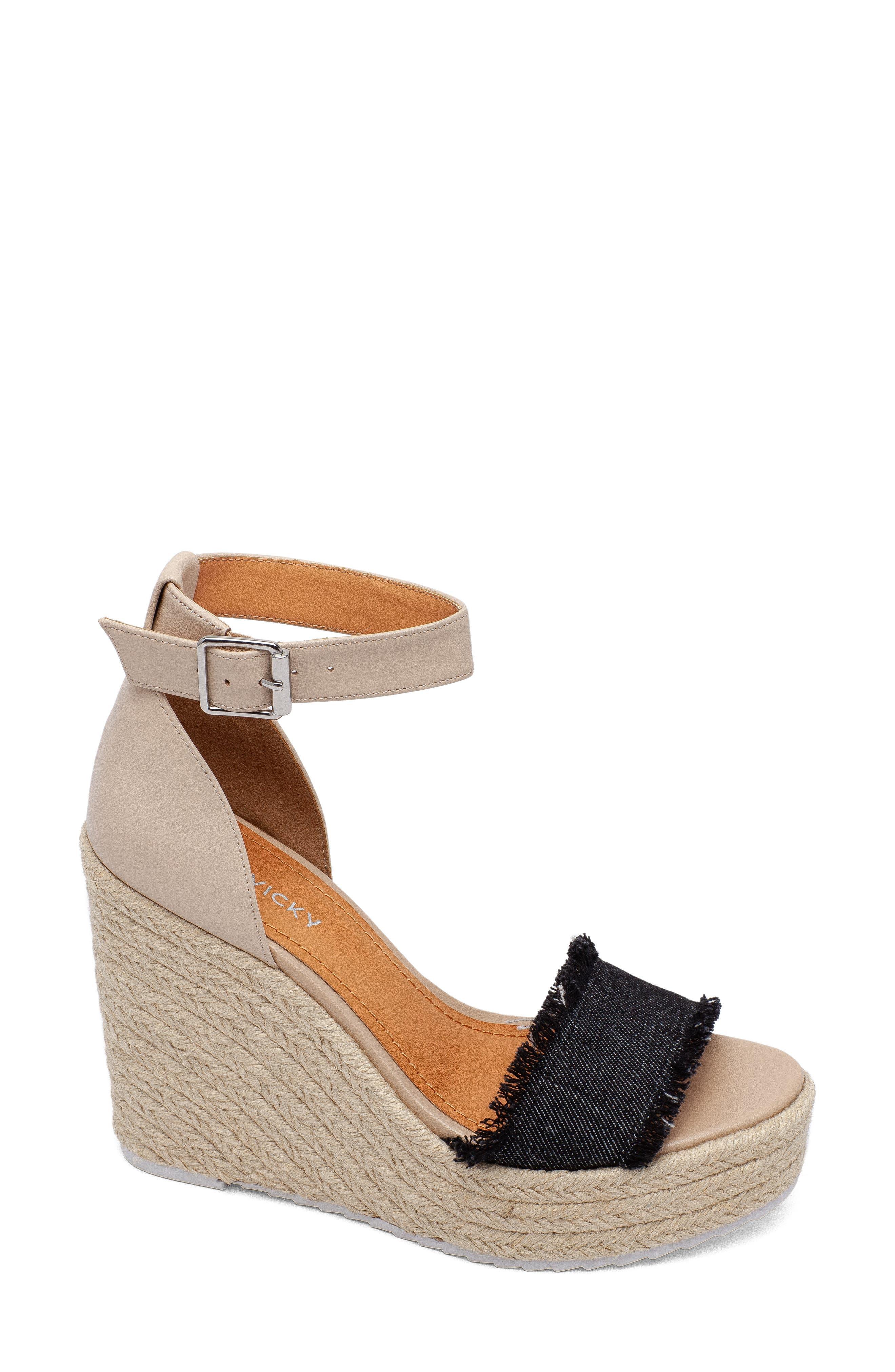 Graceful Platform Wedge Sandal