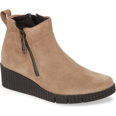 The Flexx Easy Does It Wedge Bootie, Beige