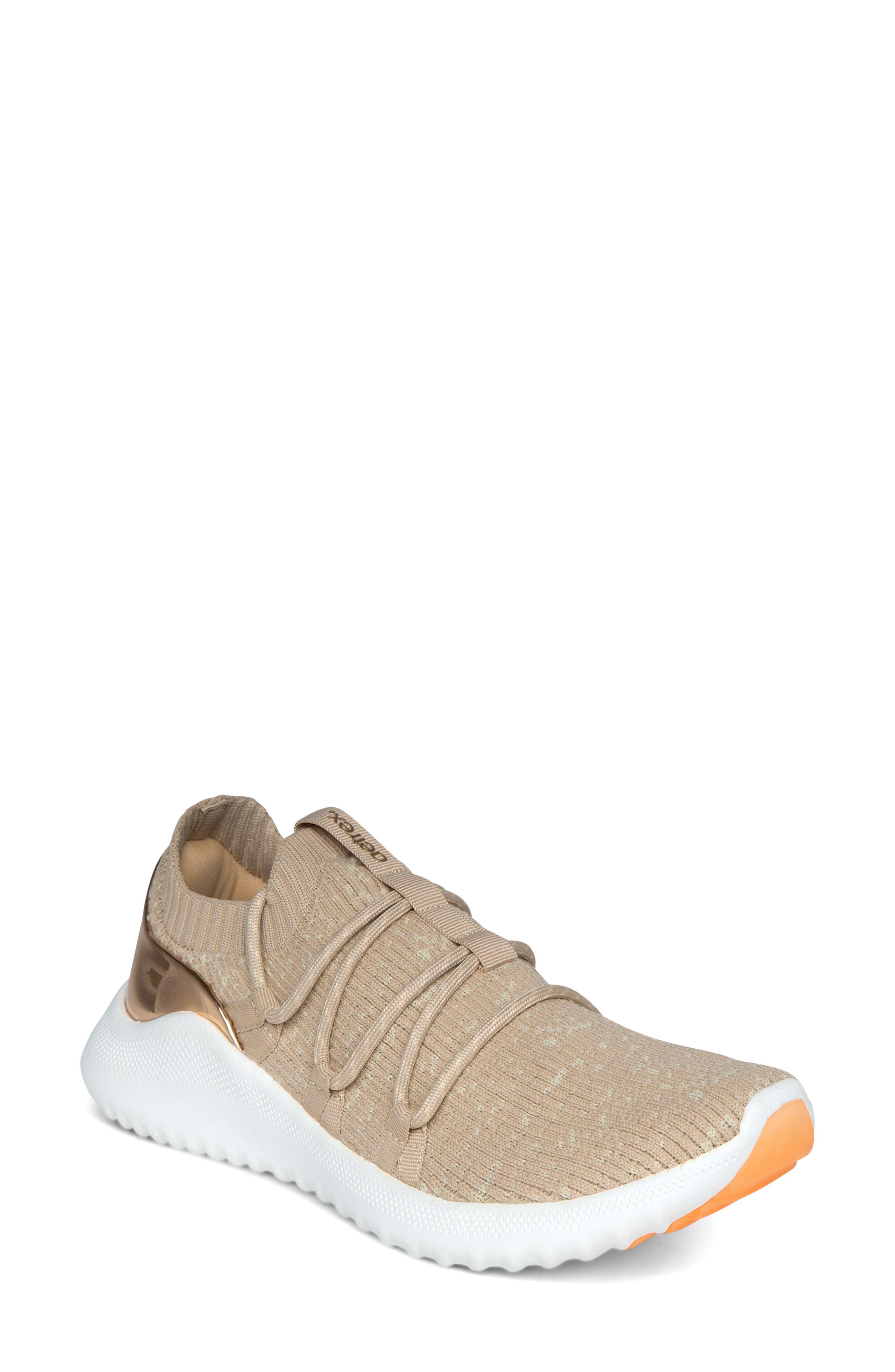 Dani Sneaker