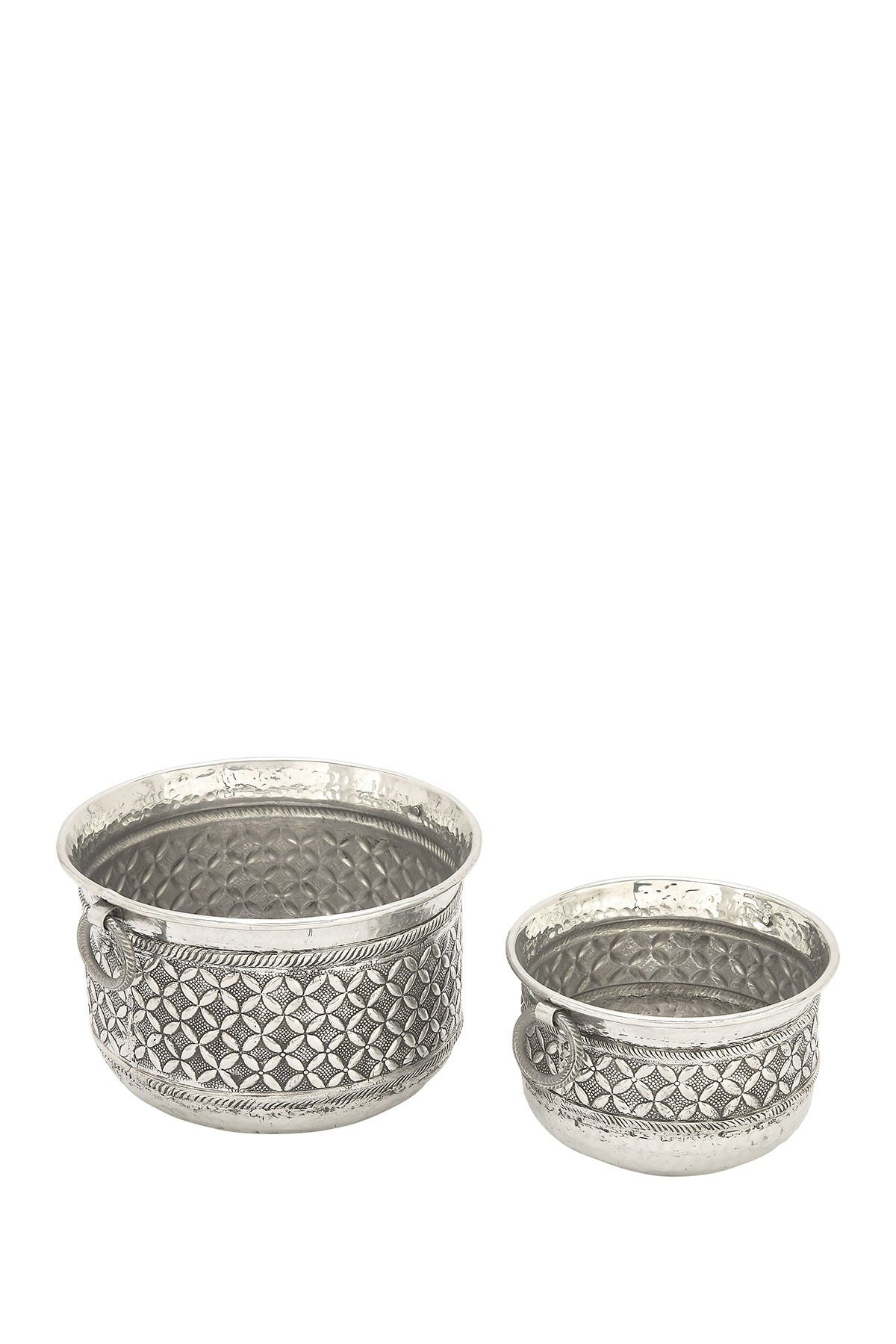 Image of Willow Row Silver Traditional Round Aluminum Planter - Set of 2