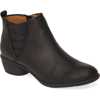 Comfortiva Questa Ankle Boot, Black