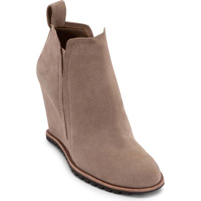Dolce Vita Gianni Wedge Bootie, Brown