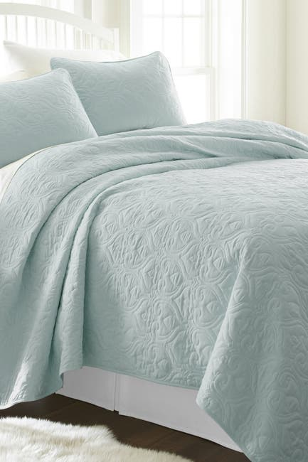 Image of IENJOY HOME Home Spun Premium Ultra Soft Damask Pattern Quilted Twin Coverlet Set - Pale Blue