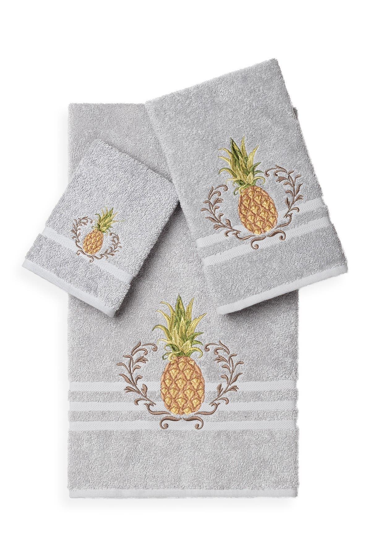 Image of LINUM TOWELS Welcome 3-Piece Embellished Towel Set - Light Grey