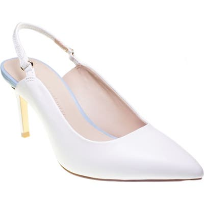 Cupcakes And Cashmere Gemmalyn Pump, White