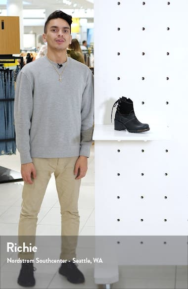 Lesi Boot, sales video thumbnail