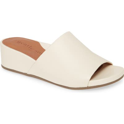 Gentle Souls By Kenneth Cole Gianna Slide Sandal- White