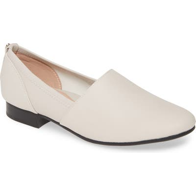 Taryn Rose Bettina Slip-On Flat, White