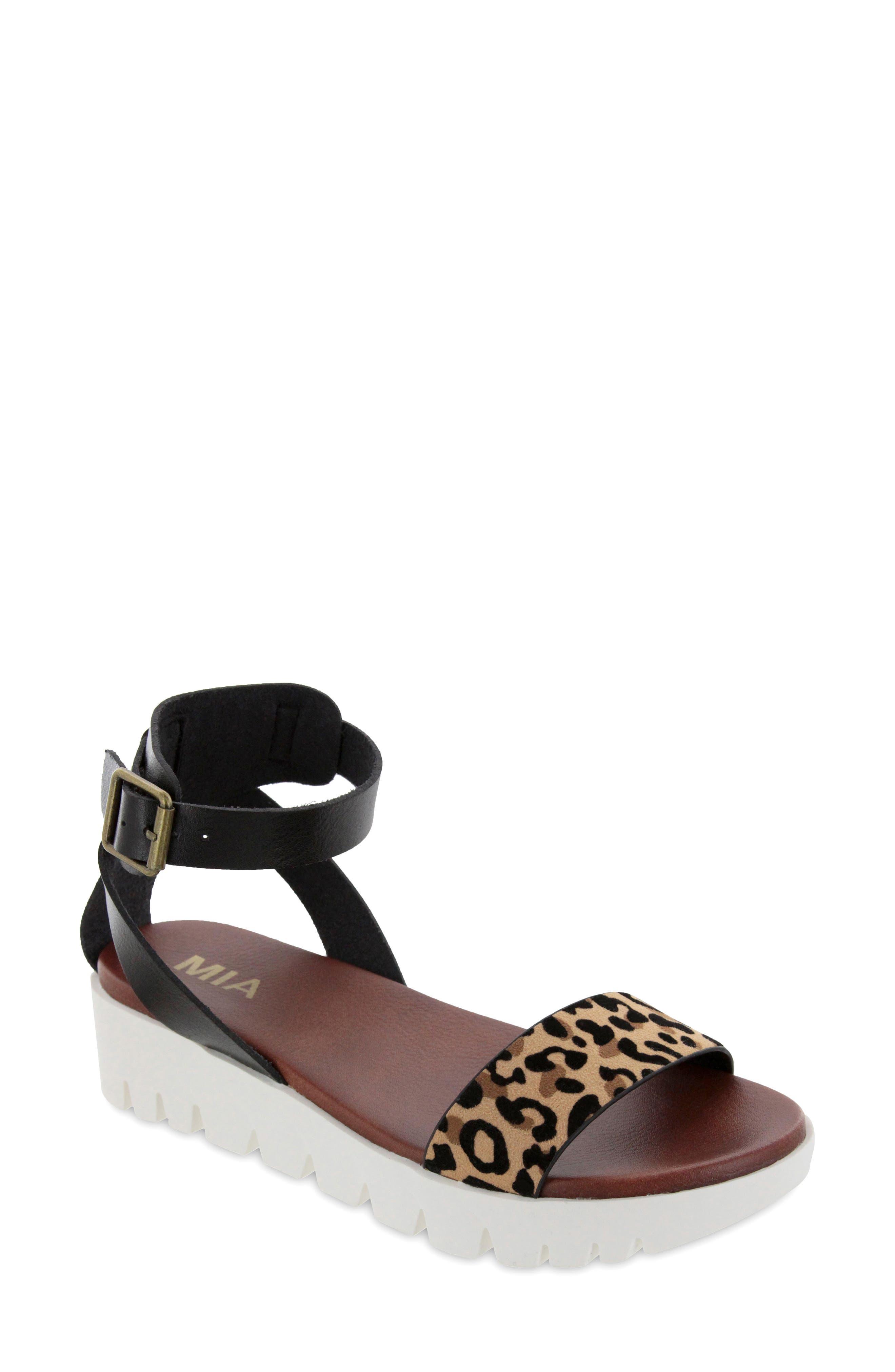 Rina Platform Sandal