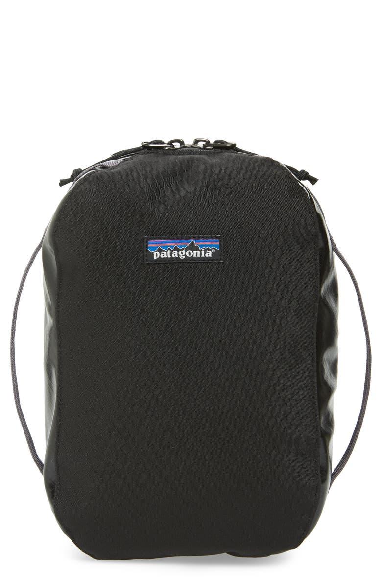 PATAGONIA Black Hole Medium Recycled Travel Kit, Main, color, 001