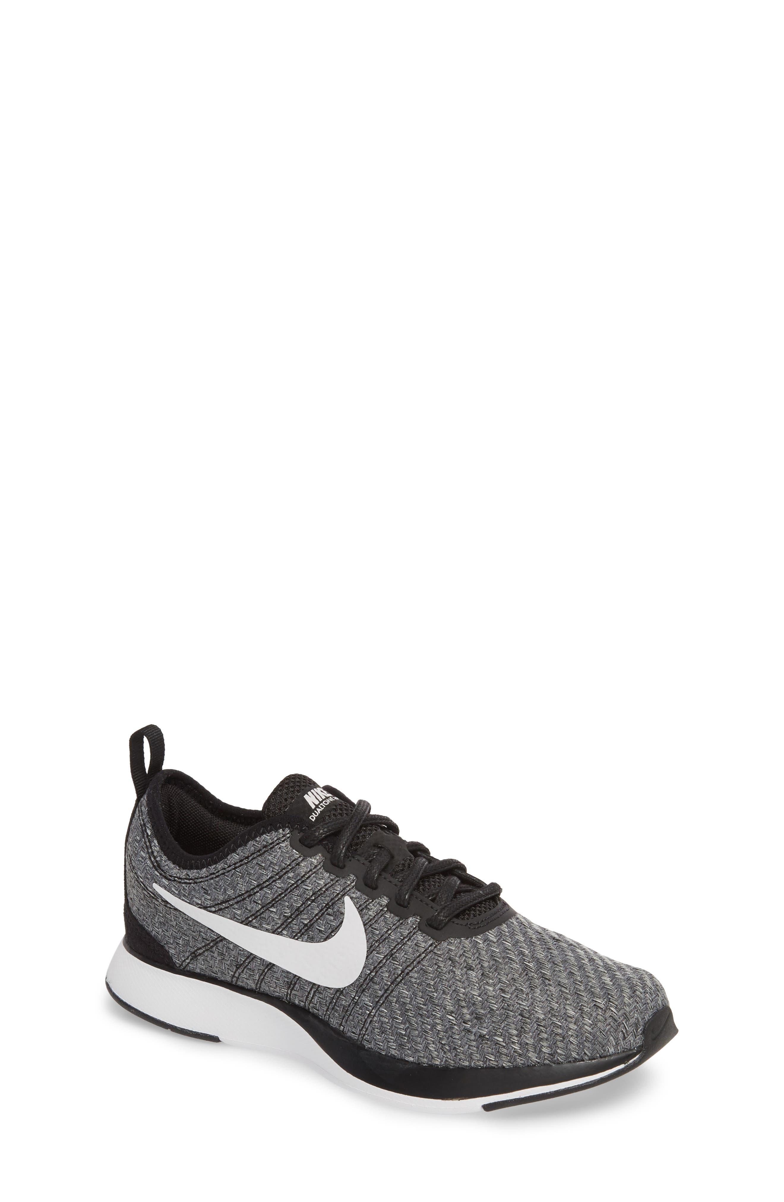 Nike | Dualtone Racer SE Sneaker