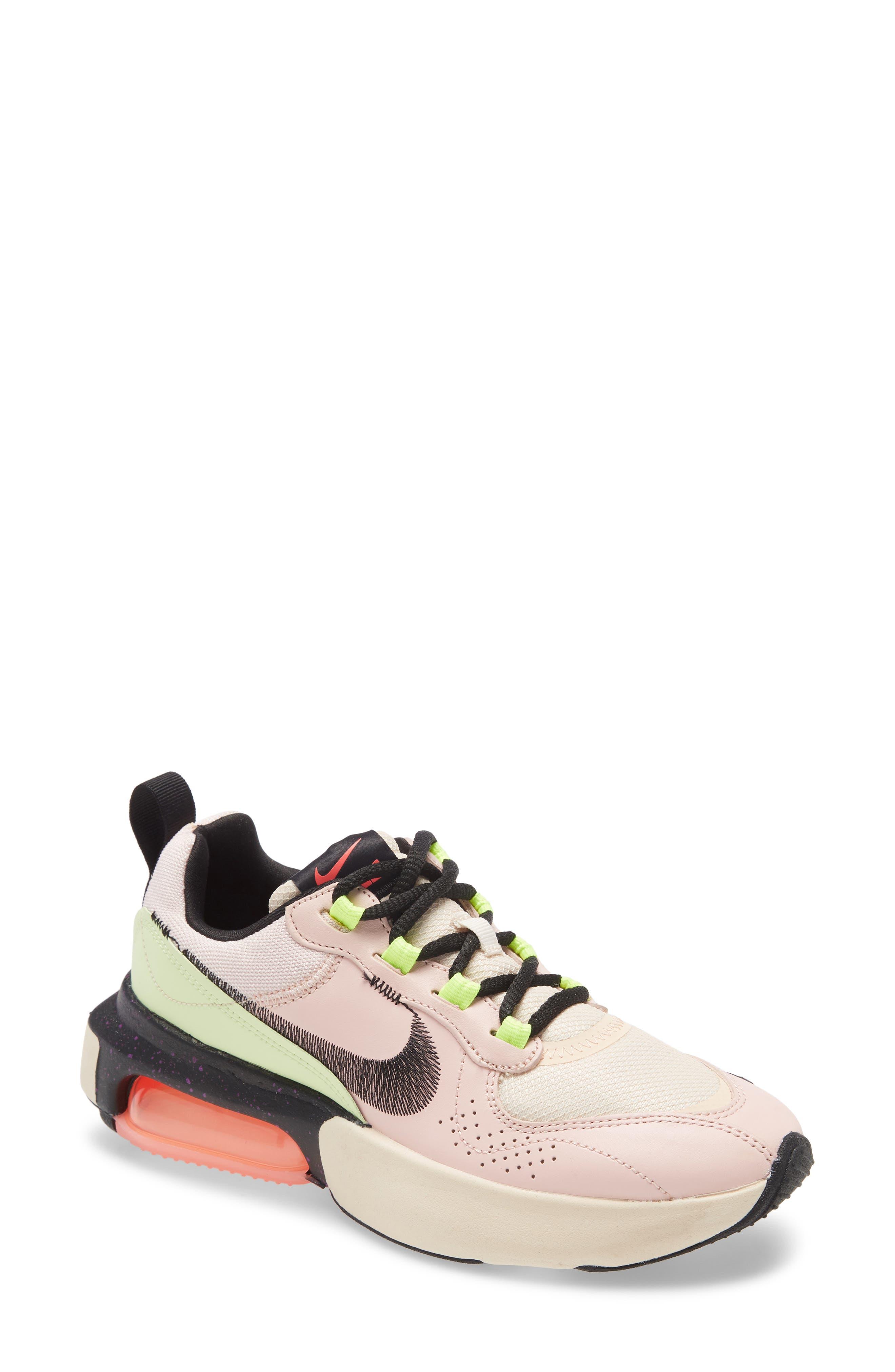 Nike Air Max Verona QS Sneaker (Women