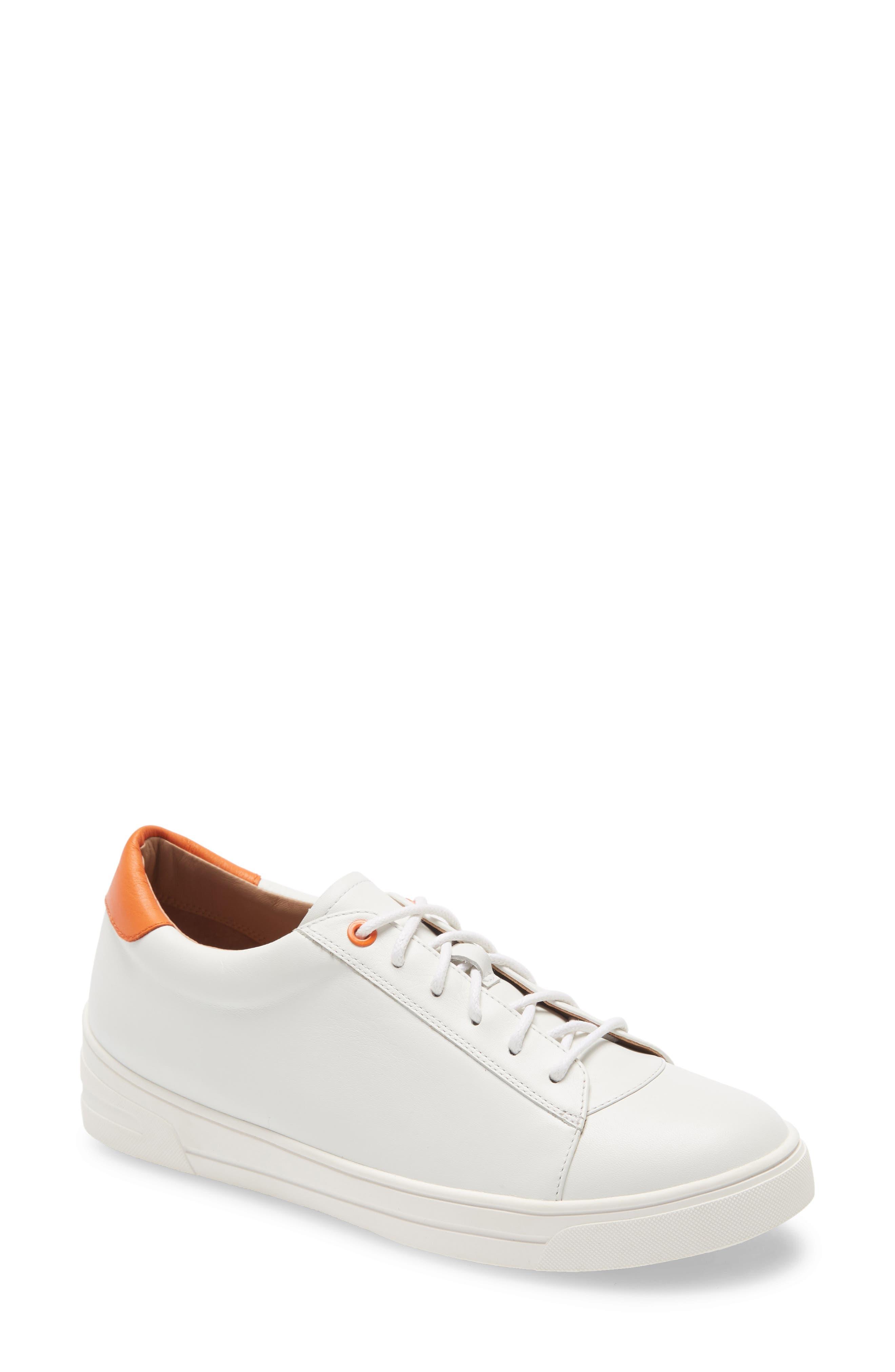 Kaia Sneaker