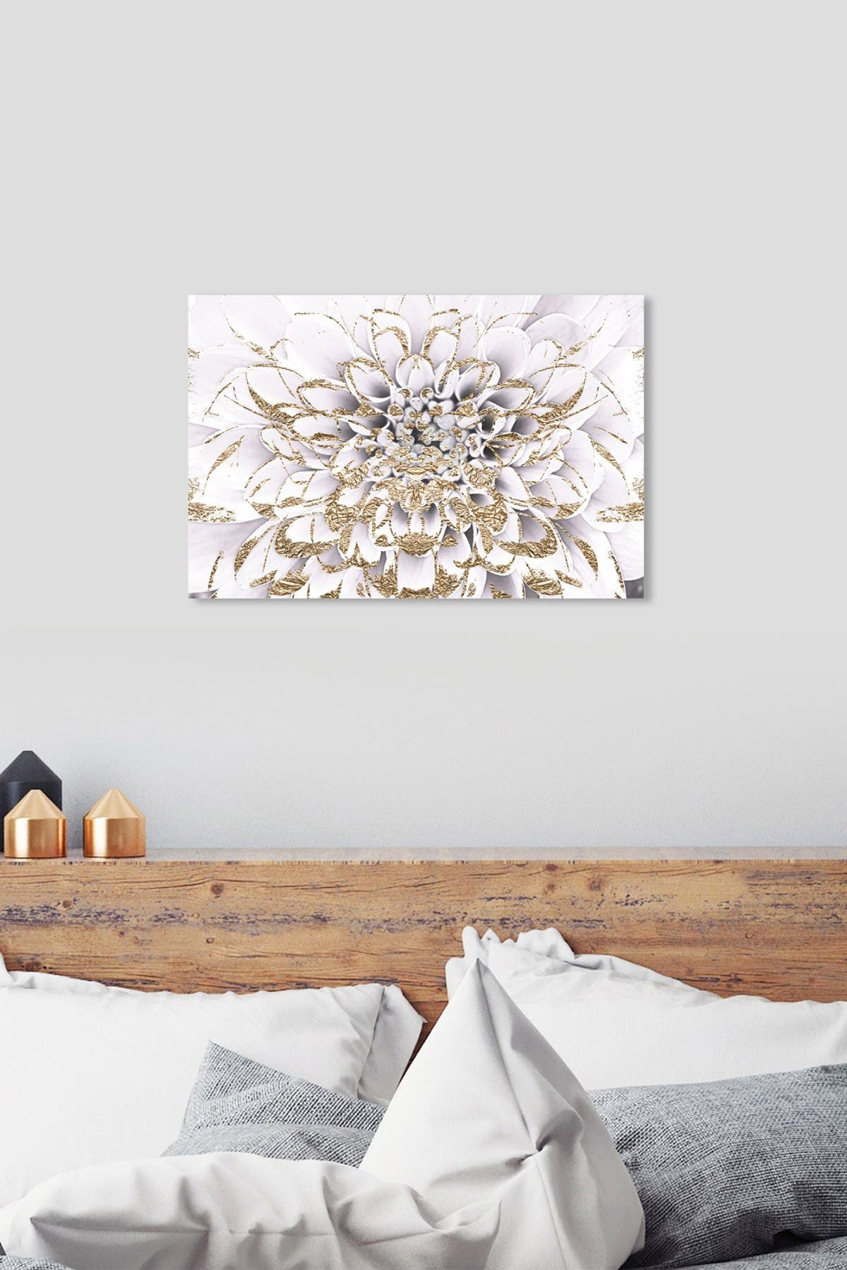 Image of Oliver Gal Gallery Floralia Blanc Canvas Art