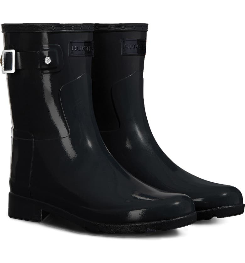 HUNTER Refined Short Gloss Rain Boot, Main, color, 001