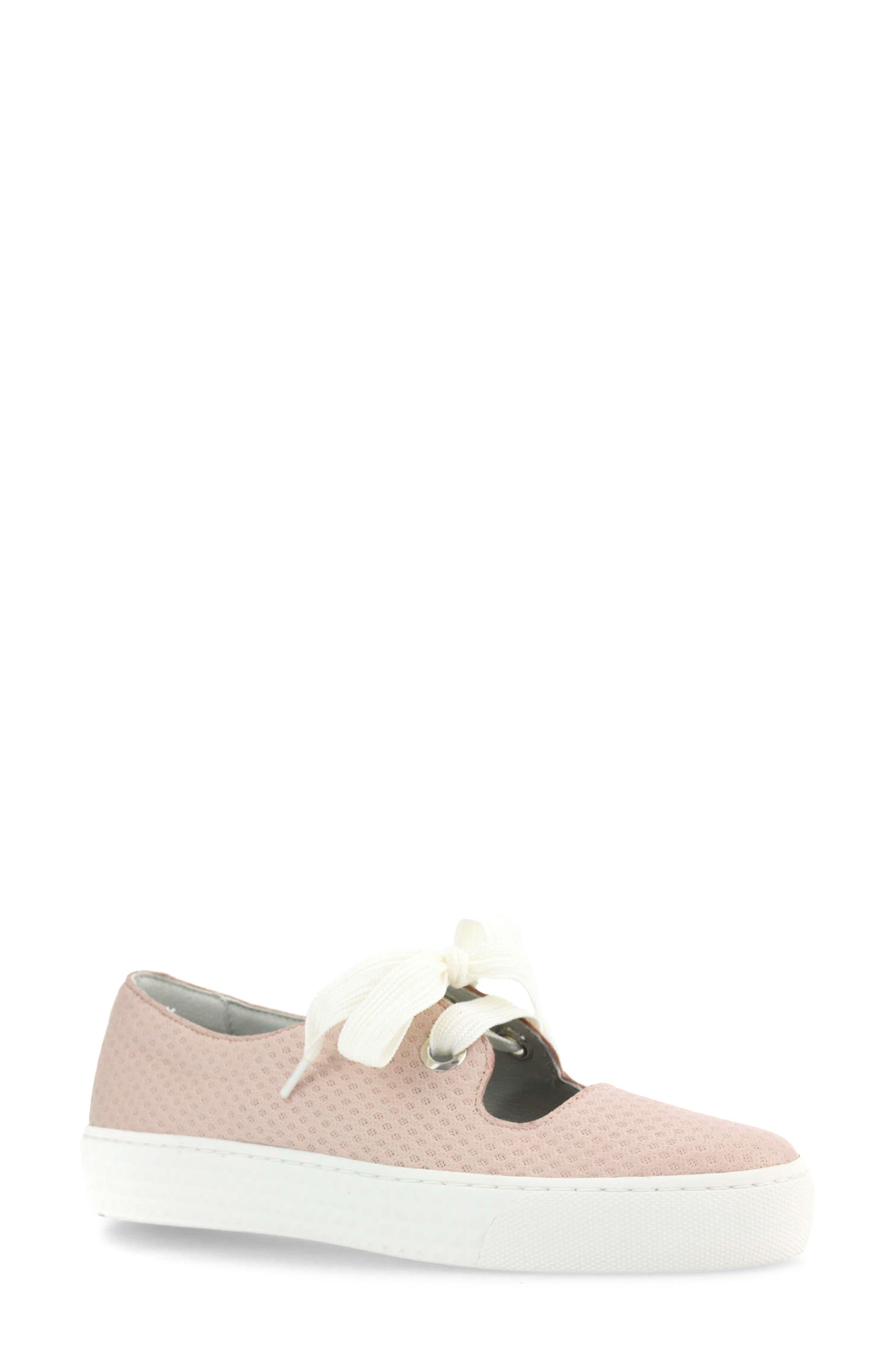 Uzuri Mary Jane Sneaker