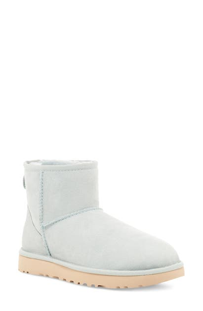 UGG Boots UGG CLASSIC MINI II GENUINE SHEARLING LINED BOOT