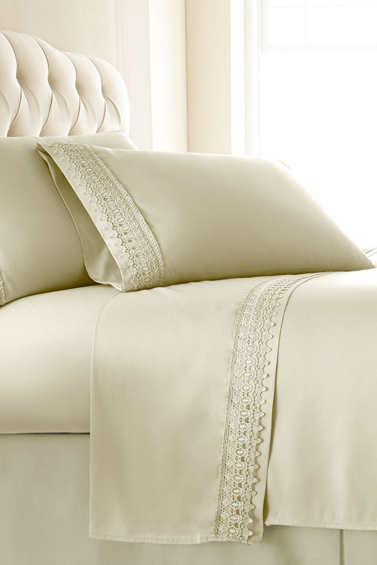Image of SOUTHSHORE FINE LINENS Premium Collection Double Brushed Lace Extra Deep Pocket 4-Piece Sheet Sets - Queen