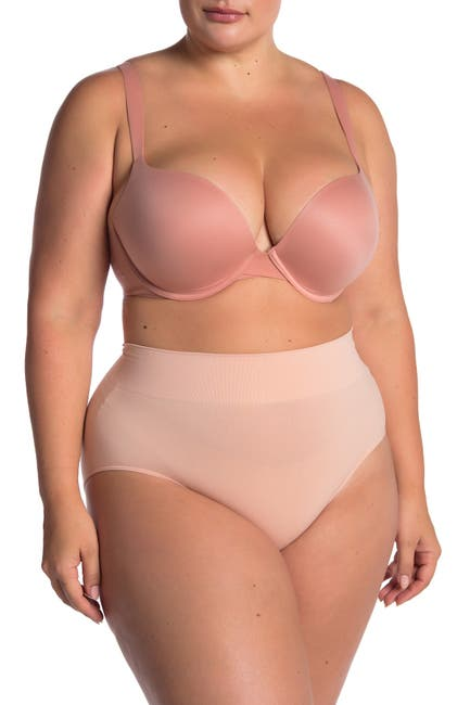 Image of SPANX Pillow Cup Signature Push-Up Plunge Bra