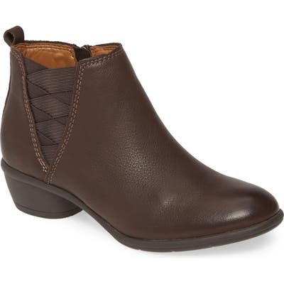 Comfortiva Questa Ankle Boot, Brown