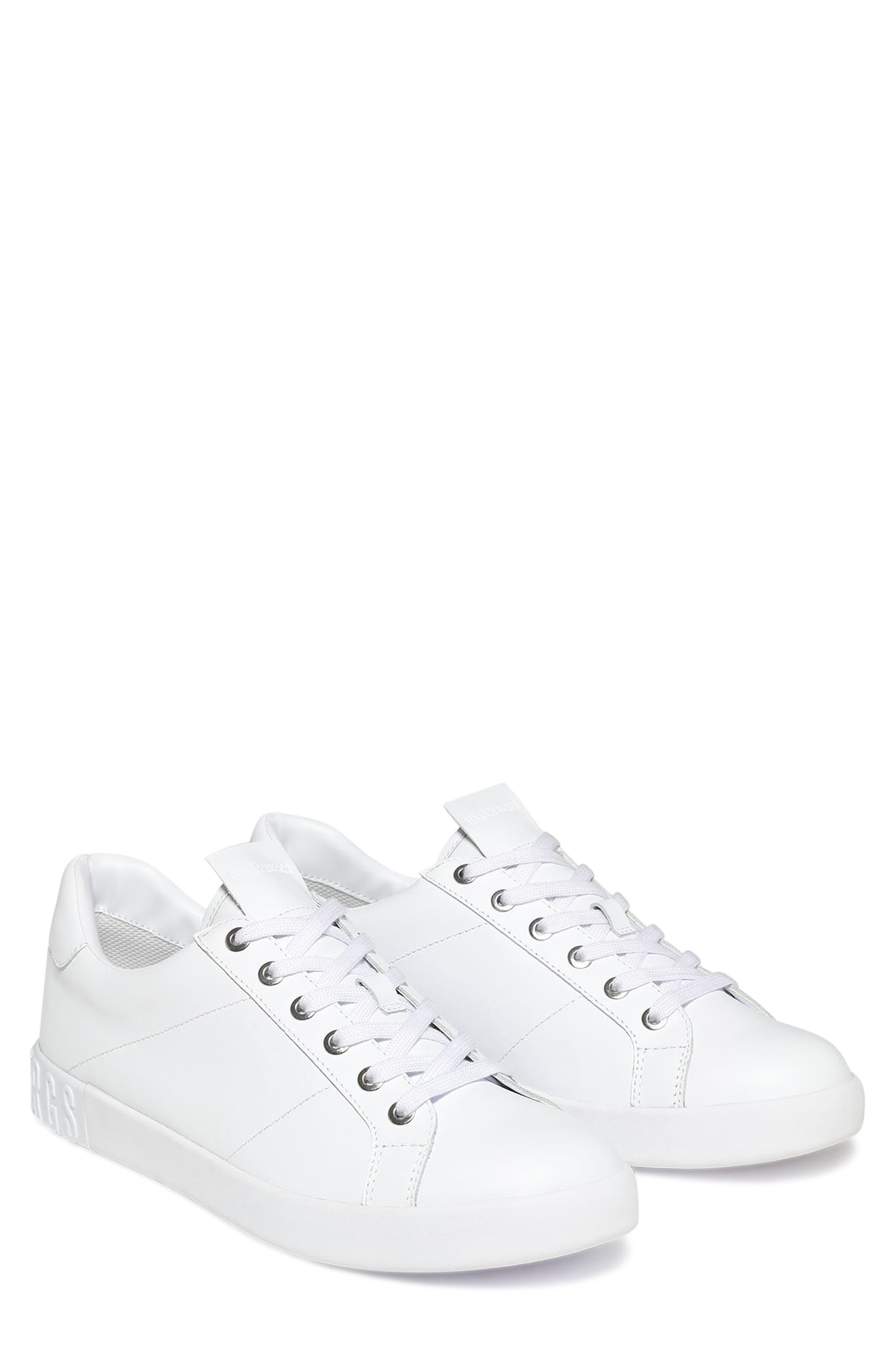 Shieran Sneaker