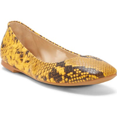 Vince Camuto Brindin Flat, Yellow
