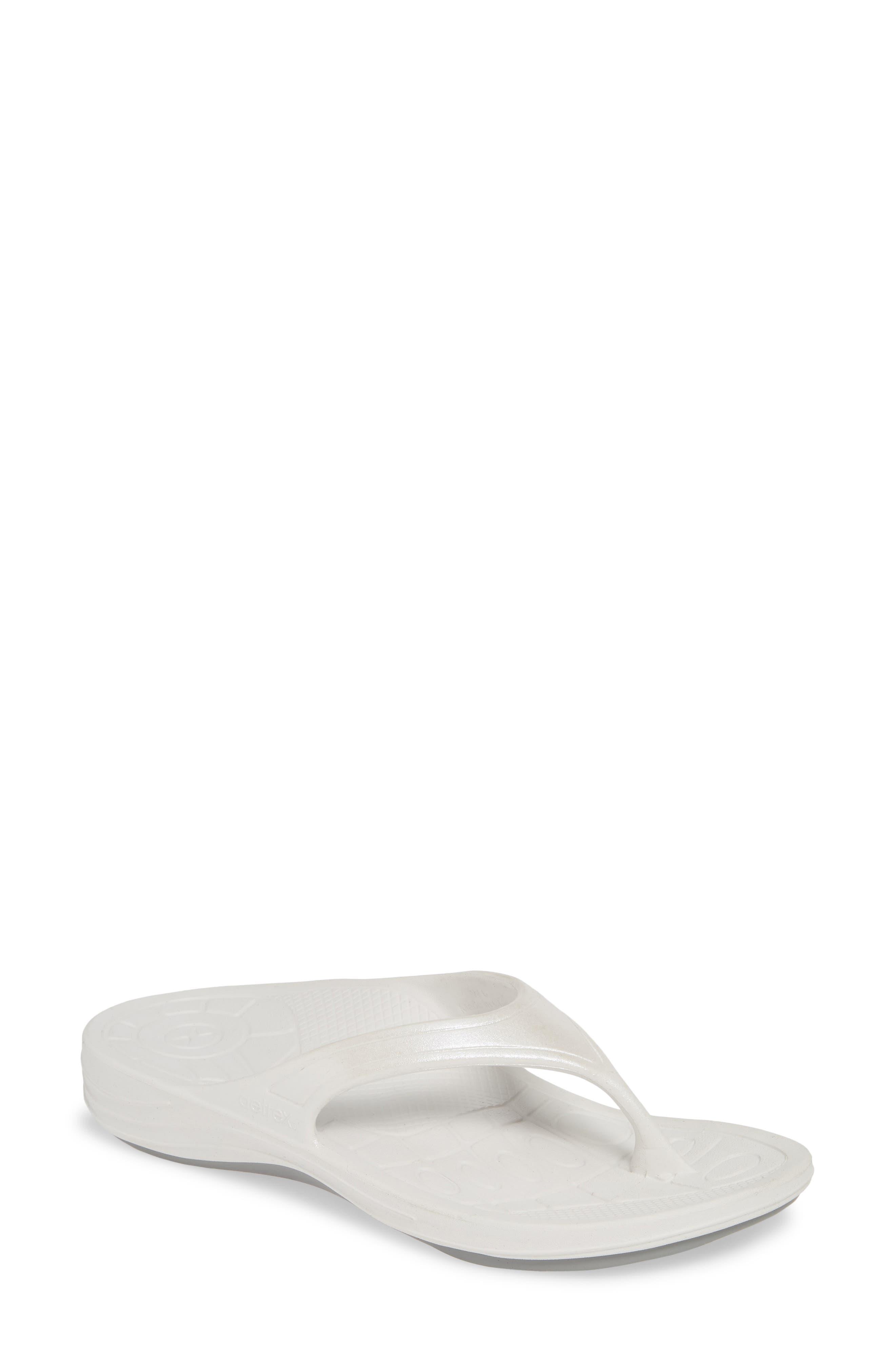 Aetrex Fiji Flip Flop, White