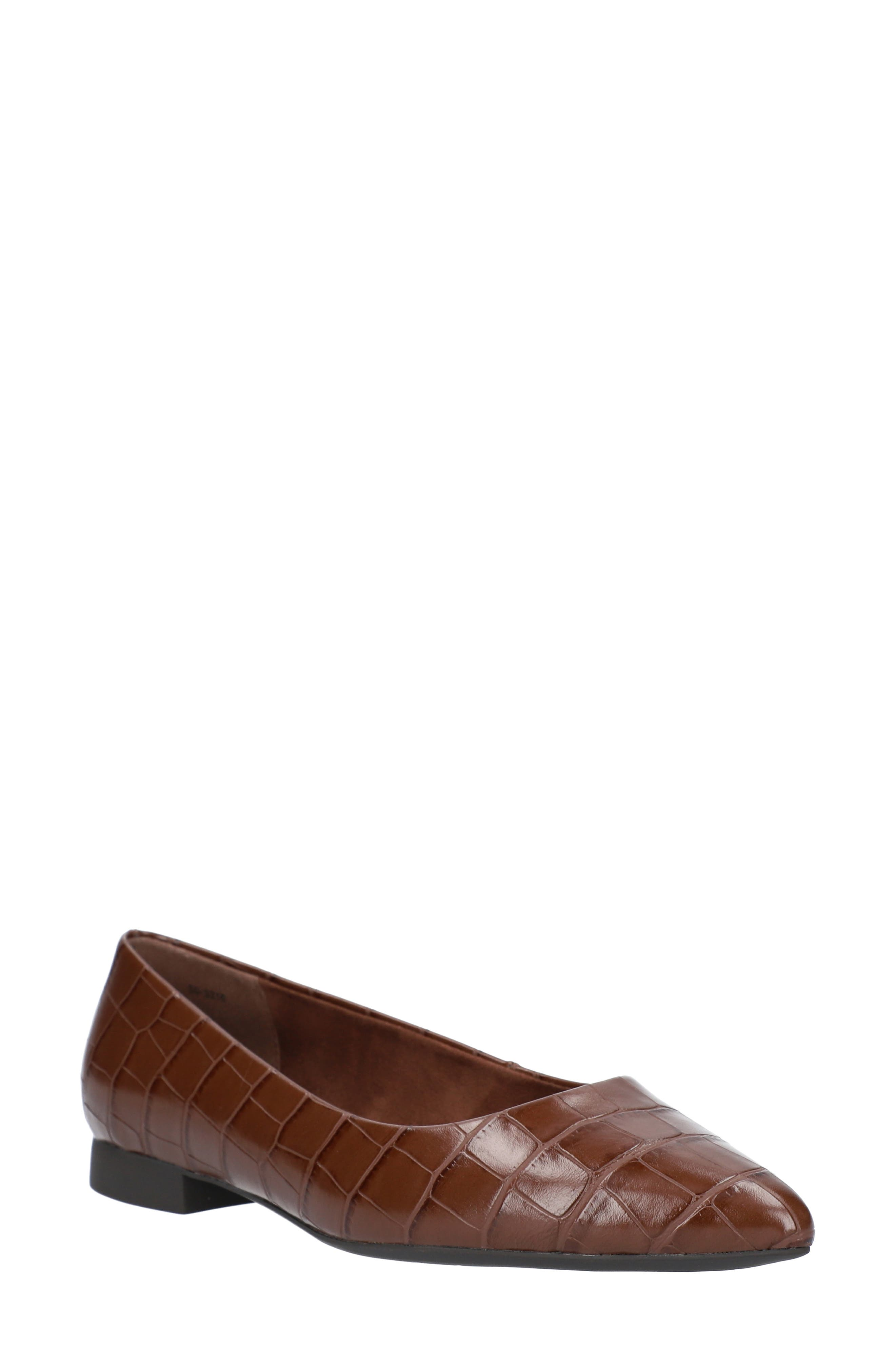 Viven Pointed Toe Flat