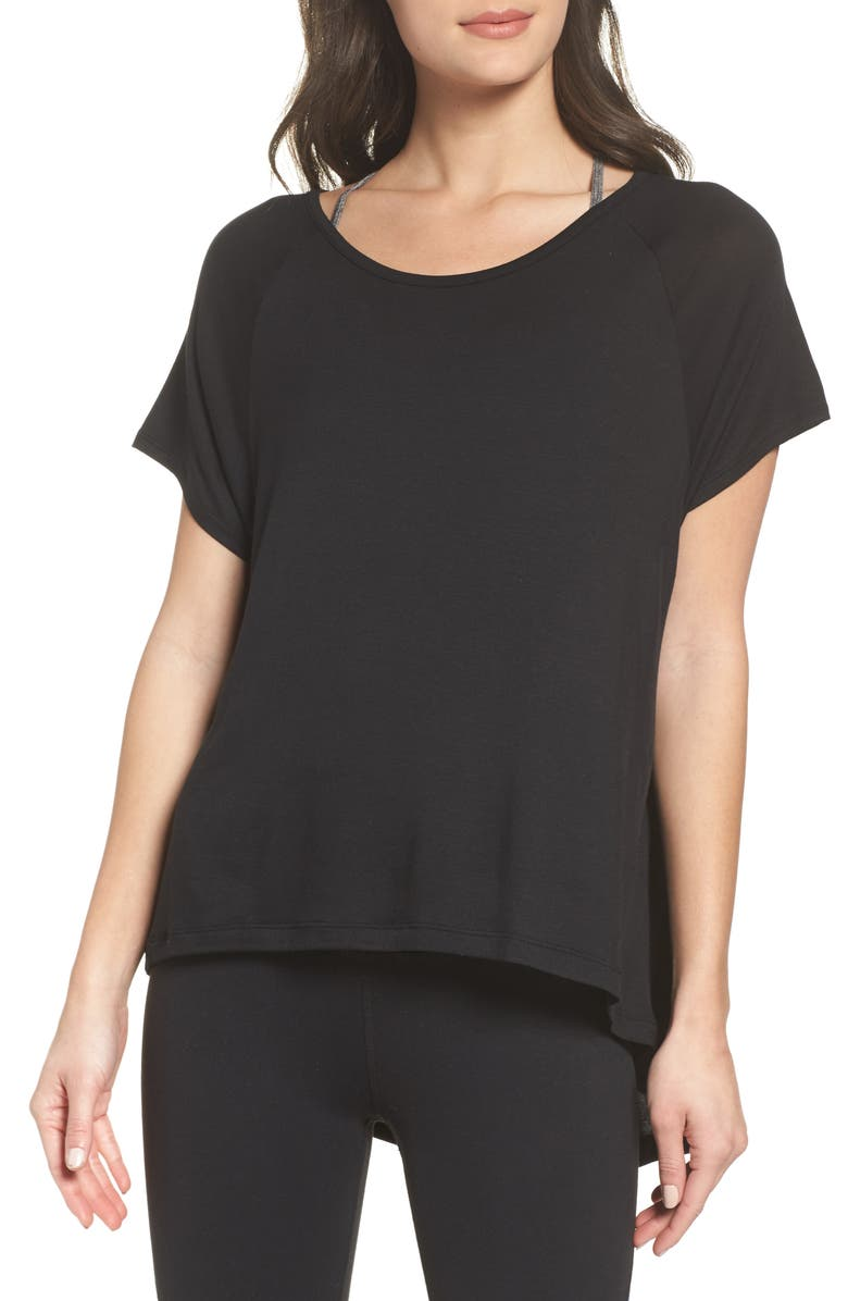 BEYOND YOGA Slink Out Loud High/Low Tee, Main, color, 001