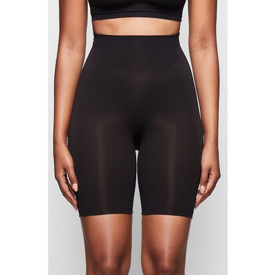 Plus Size Skims Sculpting Seamless Mid Shorts, X/3X - Black