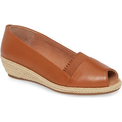 Gentle Souls By Kenneth Cole Luci Flat, Brown