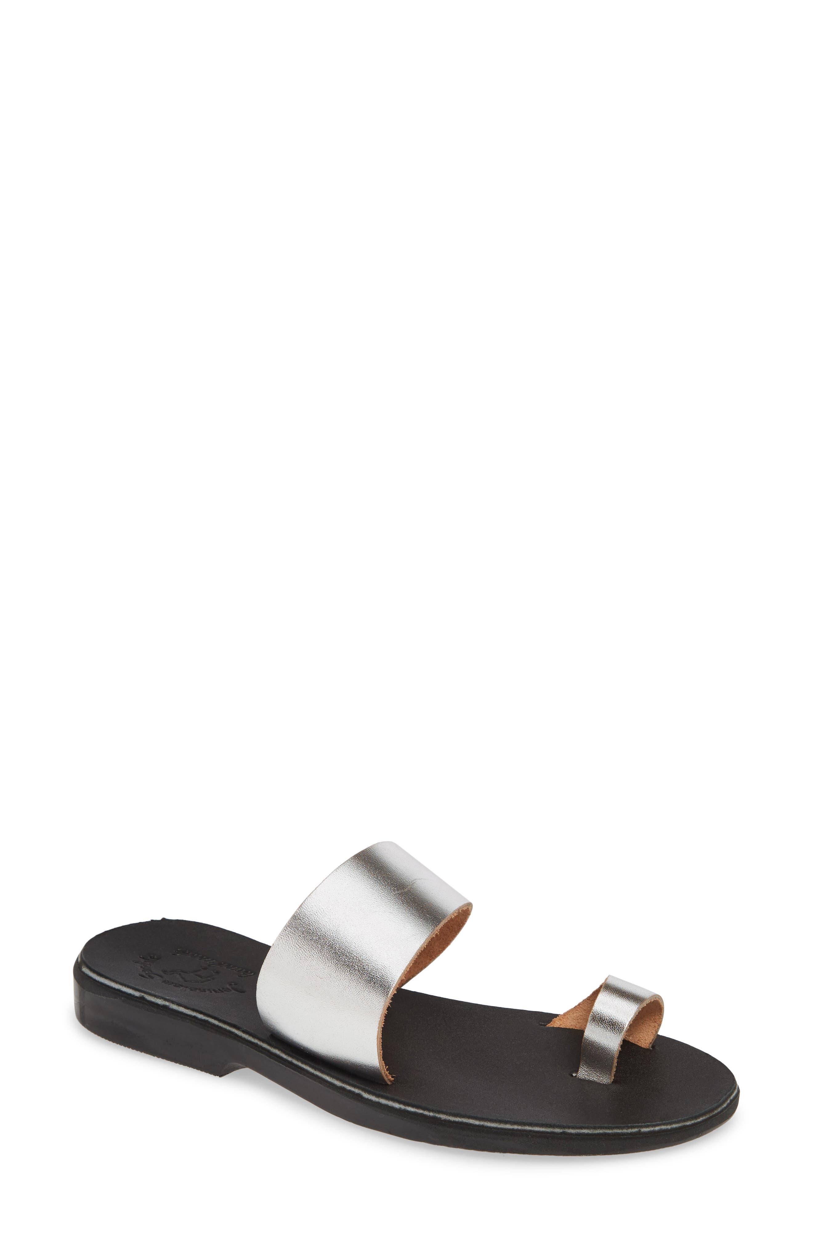 Abra Toe Loop Slide Sandal