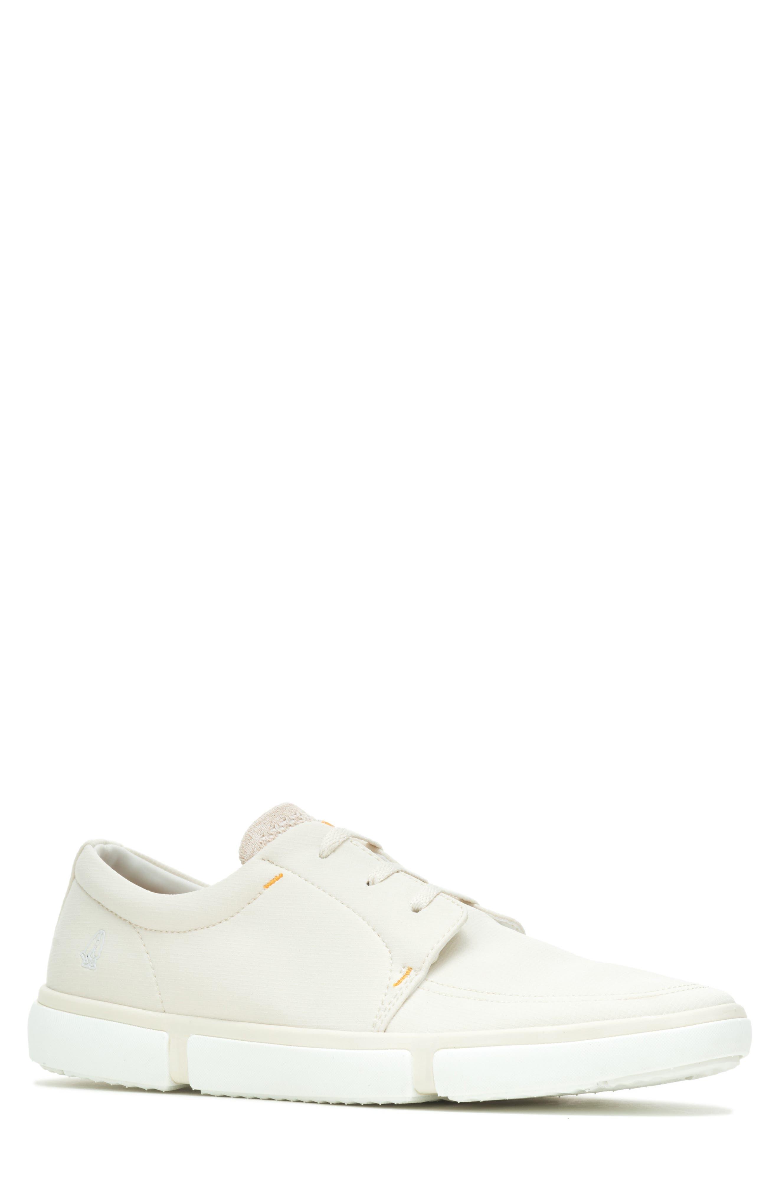 Briggs Sneaker
