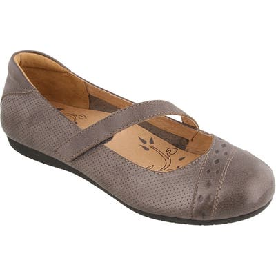 Taos Scamp Mary Jane Flat- Grey