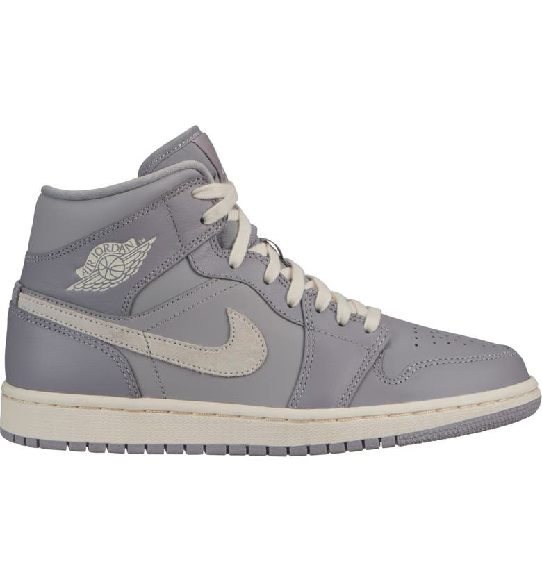 JORDAN Air Jordan 1 Mid Sneaker, Main, color, 002