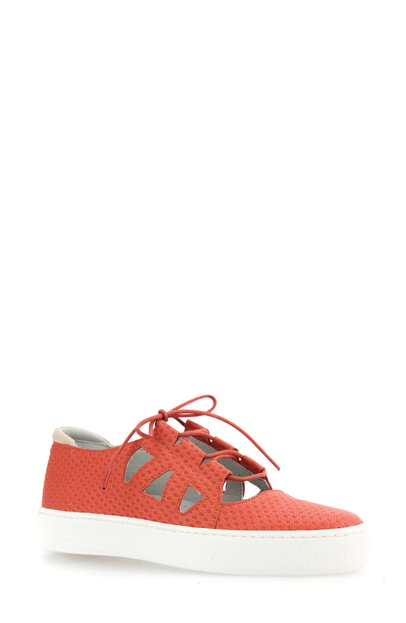 Utari Cutout Platform Sneaker