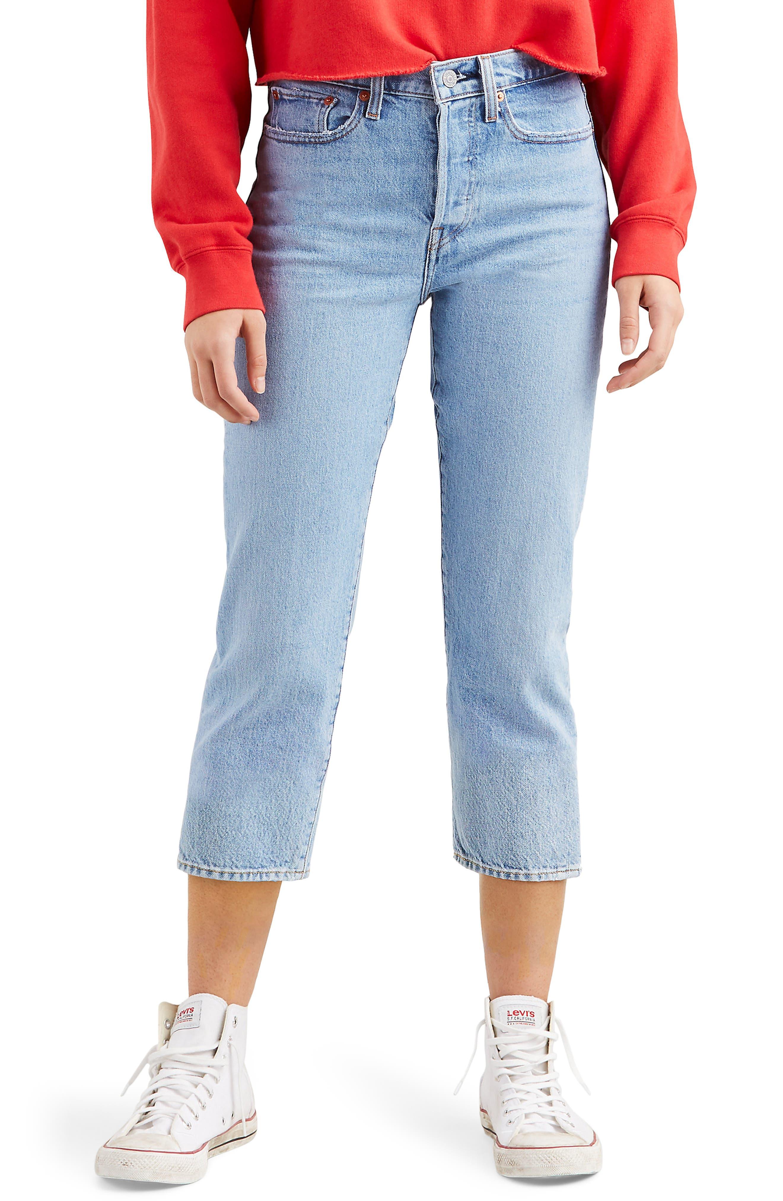 women's levi's wedgie high waist frayed crop straight leg jeans, size 28 x 26 - blue