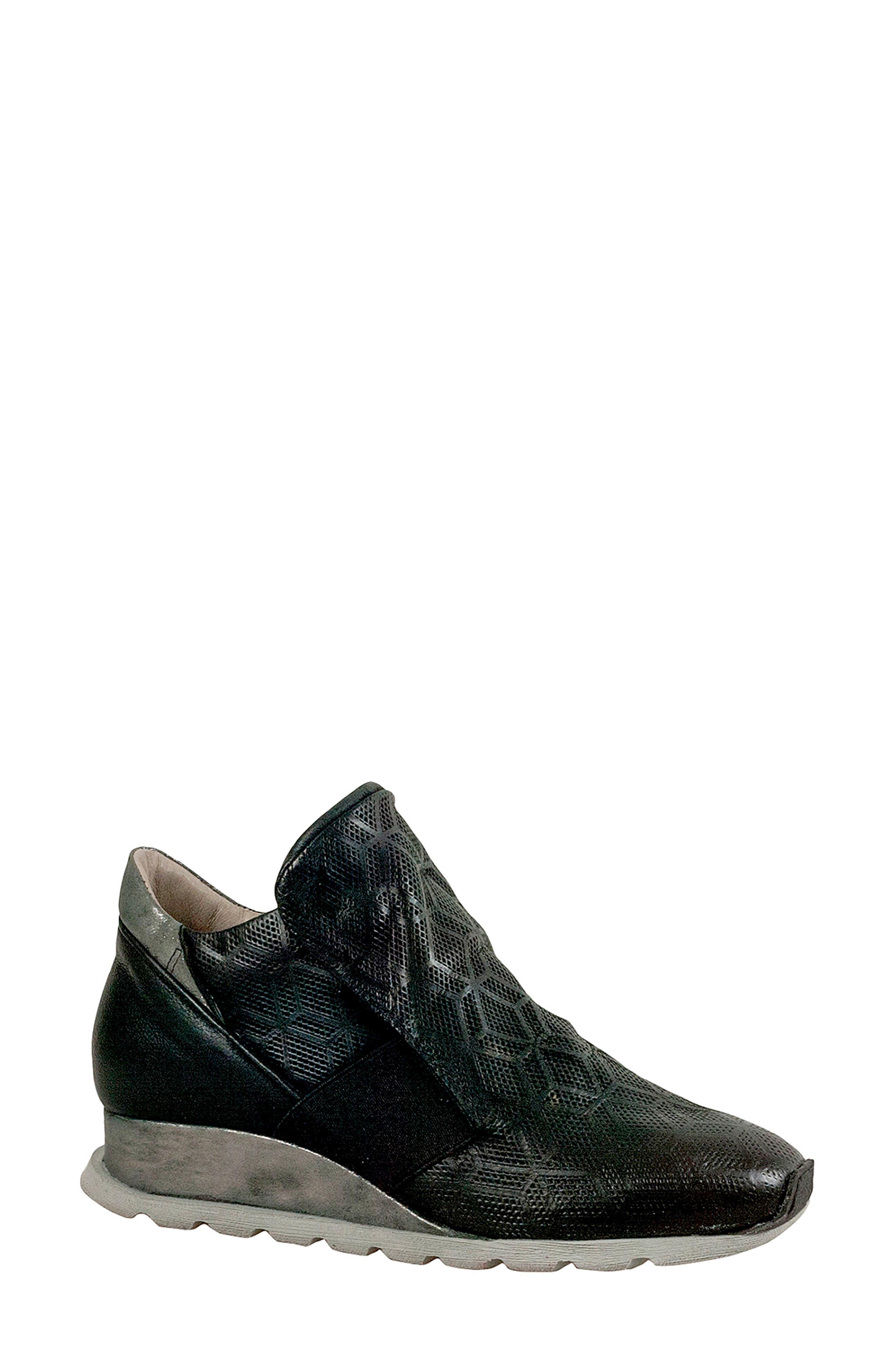 Miz Mooz Canarsie Sneaker, Black