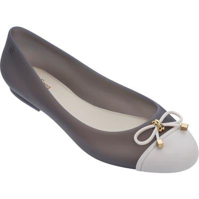 Melissa Doll V Cap Toe Flat, Grey