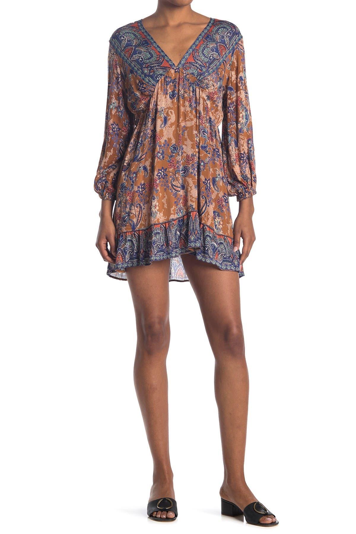Image of Angie V-Neck Paisley Print Dress