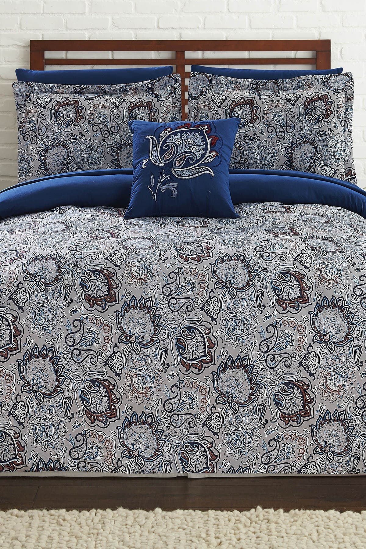 Image of Modern Threads King Corsicana Reversible Complete Bed Set - Corsicana