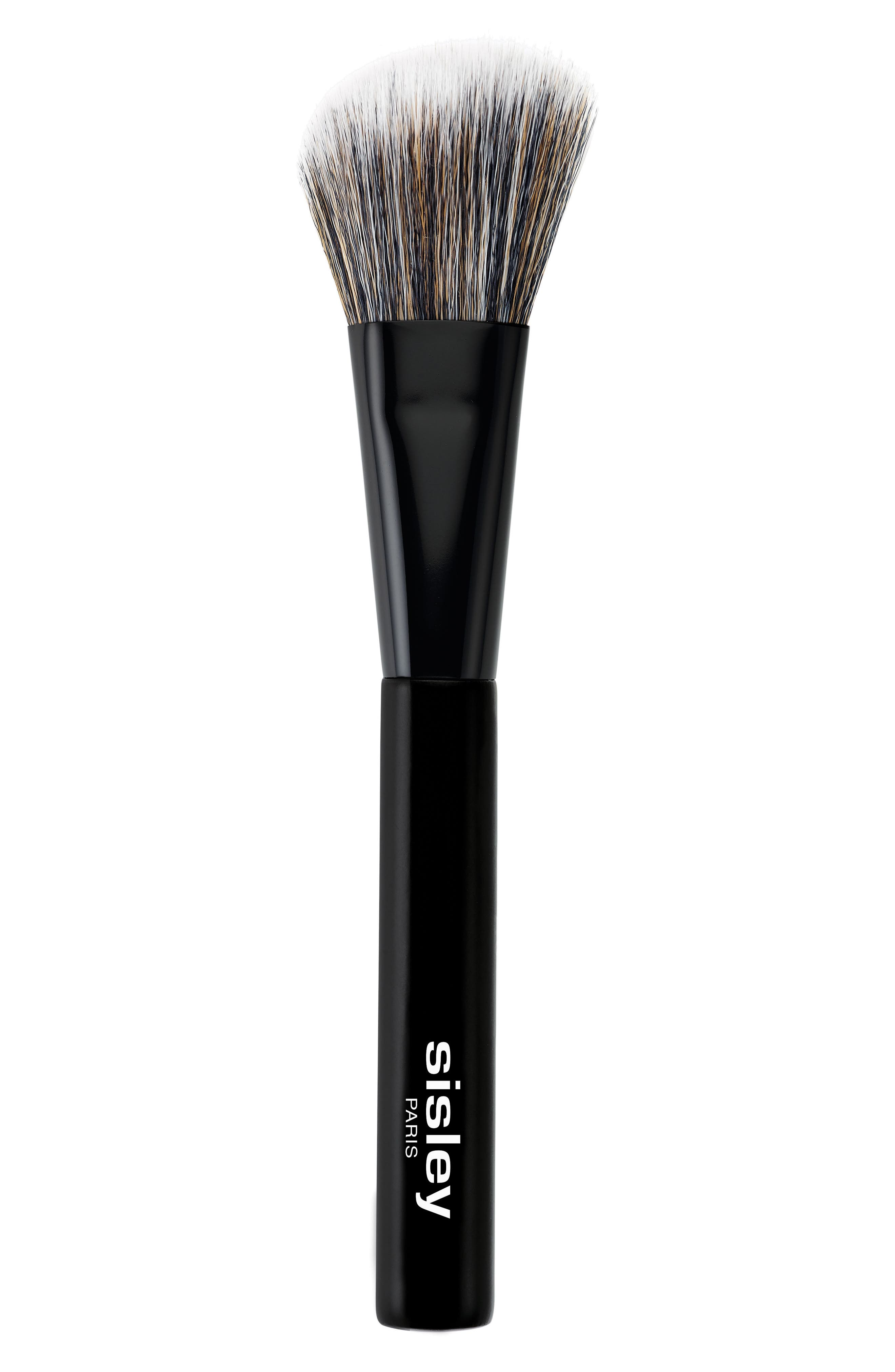What it is: A synthetic-bristle brush with a tapered, rounded, flat head that provides a healthy glow effect to a more intense look. What it does: Ideal for use with powder blush, this brush is designed for easy, precise and fast application for lifted cheekbones and a sculpted face. How to use: Apply product directly from the compact. If necessary, tap to remove excess before delicately applying from the cheekbones up toward the temples. Reapply