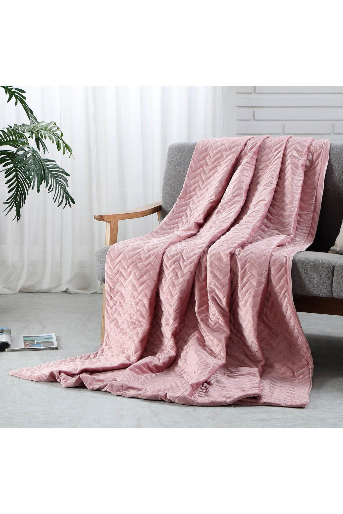 """Image of Inspired Home Cozy Tyme Eshe Weighted Blanket 15lbs 48"""" x 72"""" - Blush"""