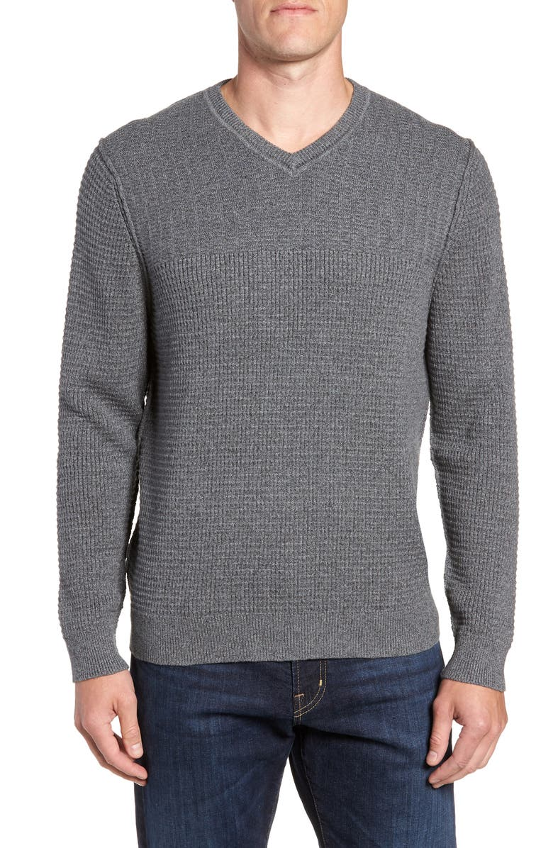 TOMMY BAHAMA Isidro V-Neck Classic Fit Sweater, Main, color, 001