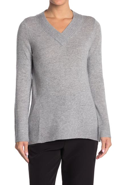 Image of Kinross V-Neck Cashmere Pullover Sweater