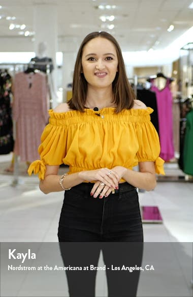 Chloe Fray Hem Side Slit Pull-On Crop Skinny Jeans, sales video thumbnail